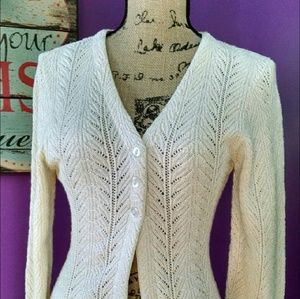 Vintage scalloped edge, three button cardigan.